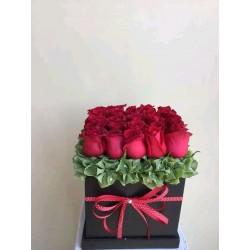 flowerbox rosas rojas